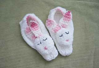 Free Crochet Pattern For Bunny Slippers : FREE KNITTING PATTERN FOR BUNNY SLIPPERS ? KNITTING PATTERN